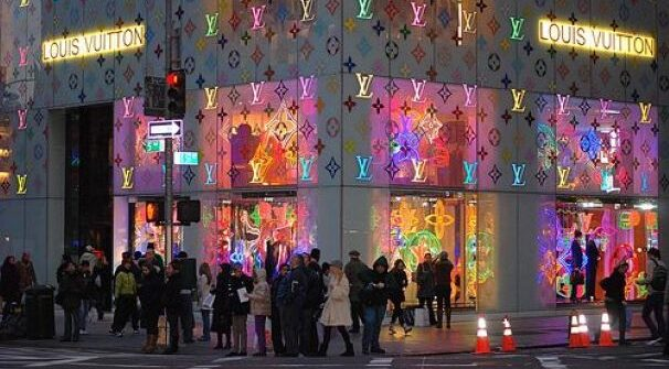 The Best of Christmas Lights of New York with Mario Medici